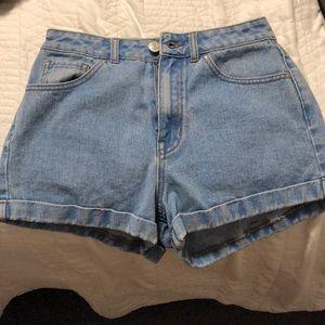 "PacSun ""mom shorts"""